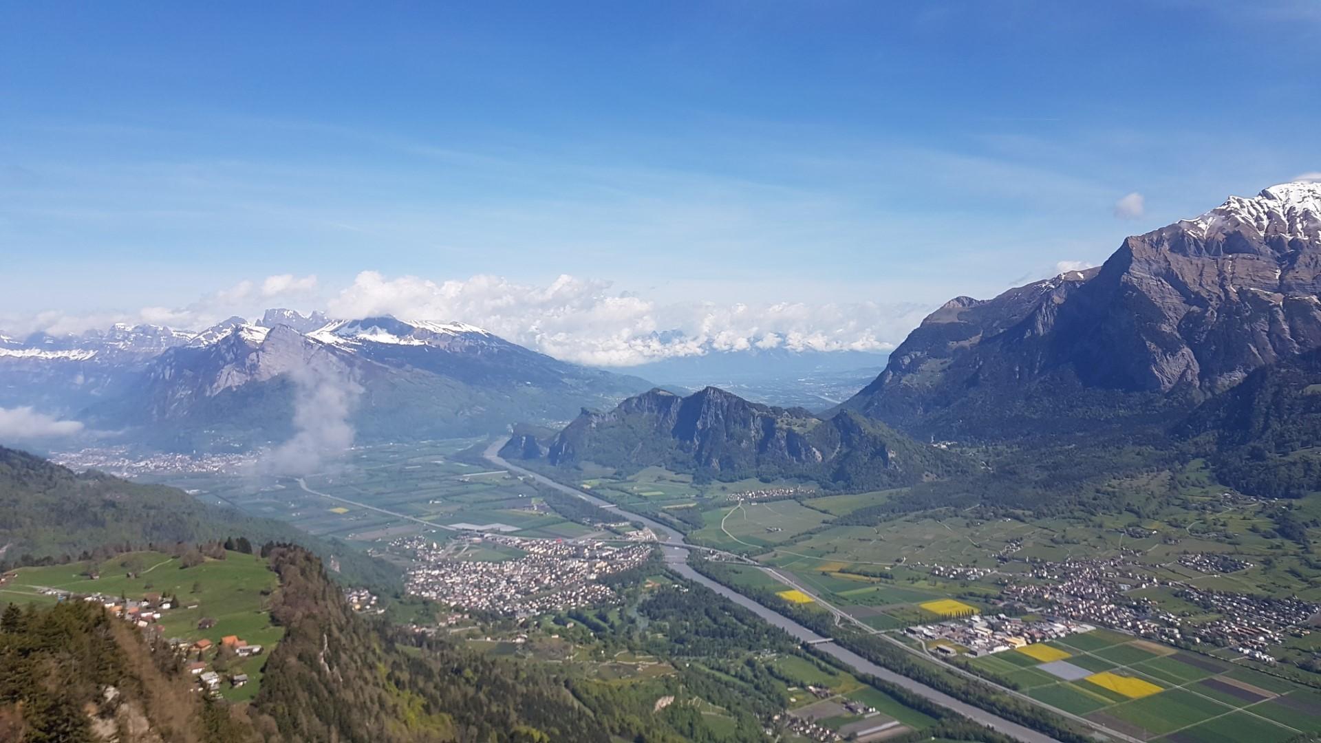 Gemütliche Wanderung zum Pizalun Gipfel